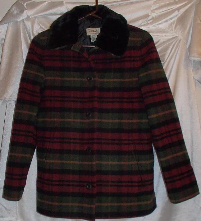 LL Bean Red/Green Plaid Wool Blend Winter Coat Womens Size